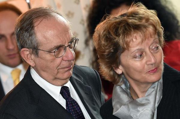 Il ministro Padoan e la consigliera Widmer Schulumps