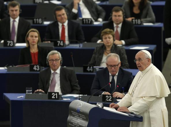 il Papa parla a Strasburgo