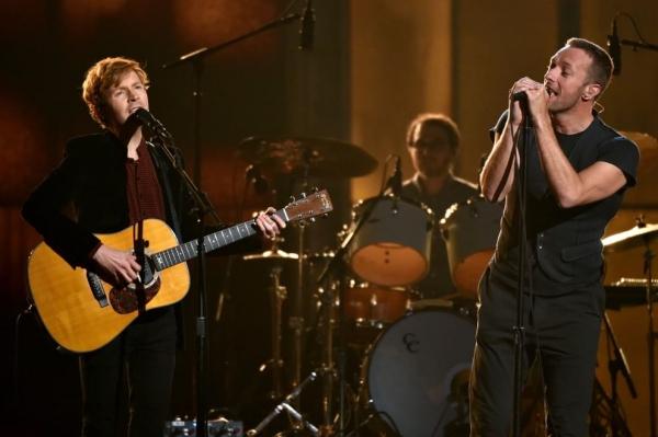 Beck con Chris Martin, leader dei Coldplay