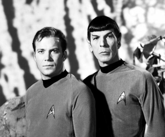 Nimoy con William Shatner, suo collega in Star Trek.jpg