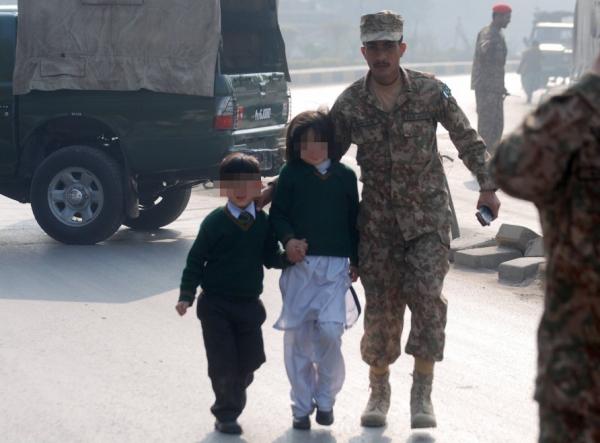 Bambini allontanati dalla scuola