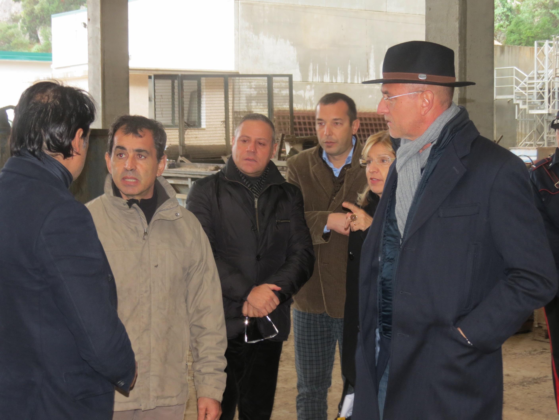 Pasqualino Contu, mentre risponde all'intervista (Fonte: blog.libero.it)