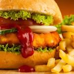 hamburger e patatine fritte