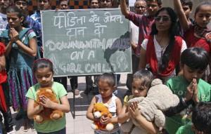 India, stuprata bambina di nove anni