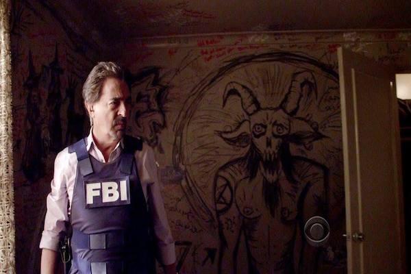 """Dave Rossi (Joe Mantegna) e il resto del team alle prese con l' occulto nella sesta puntata di """"Criminal Minds"""""""