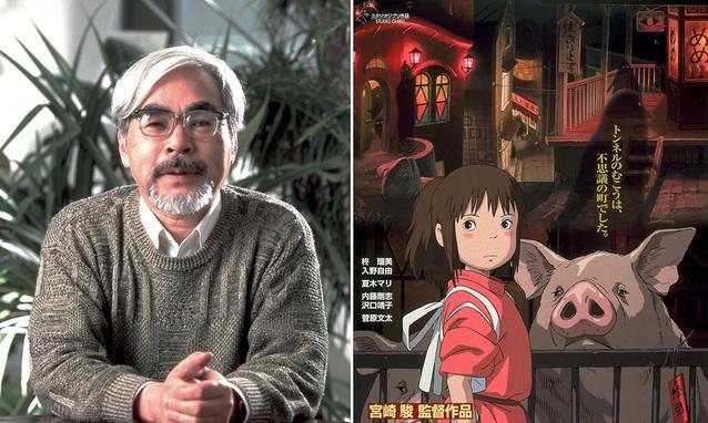"Hayao Miyazaki; al suo fianco, la locandina de ""La città incantata"""