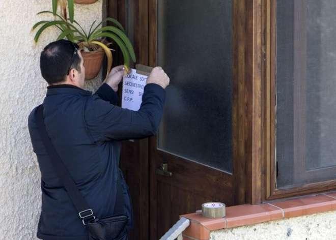 Sigilli sulla scena del crimine a Colleferro