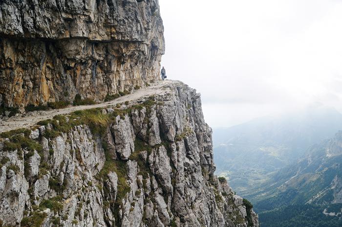 Sentiero 52 GALLERIE - Sentieri Montagna