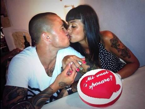 il centrocampista Radja Nainggolan e sua moglie Claudia