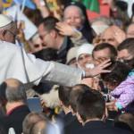 Papa Francesco con disabile