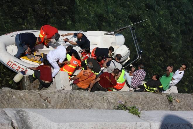 Taranto: operazioni di soccorso alla 17enne