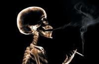 Tumore al polmone, è allarme: a rischio donne e fumatori