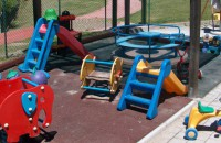 Portici, schiaffi e pizzichi ai bambini: denunciate due maestre d'asilo (FOTO)