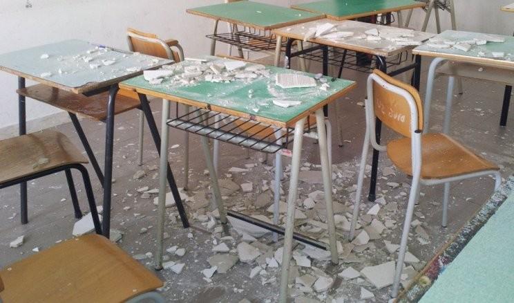 Crolla soffitto scuola elementare