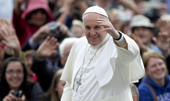 Papa Francesco difende le donne