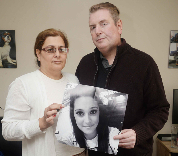 I genitori della ragazza morta a causa della pillola
