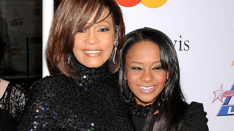 Bobbi Kristina con la madre Whitney Houston