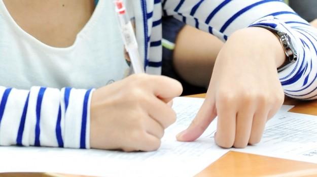 Dirigente scopre 11 errori in un compito valutato 10+
