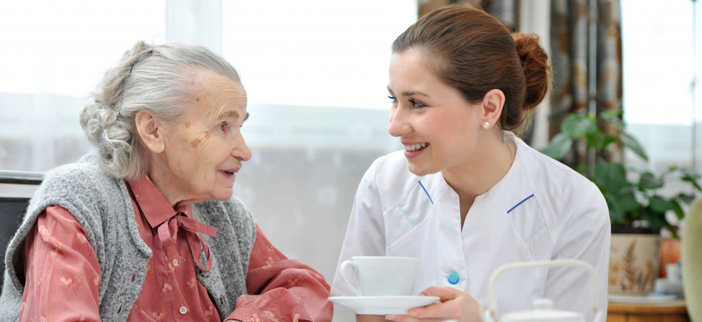 Inps revoca pensione di invalidità a un'anziana operata due volte per cancro al seno