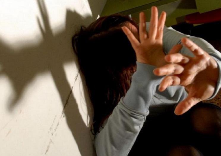 16enne stuprata