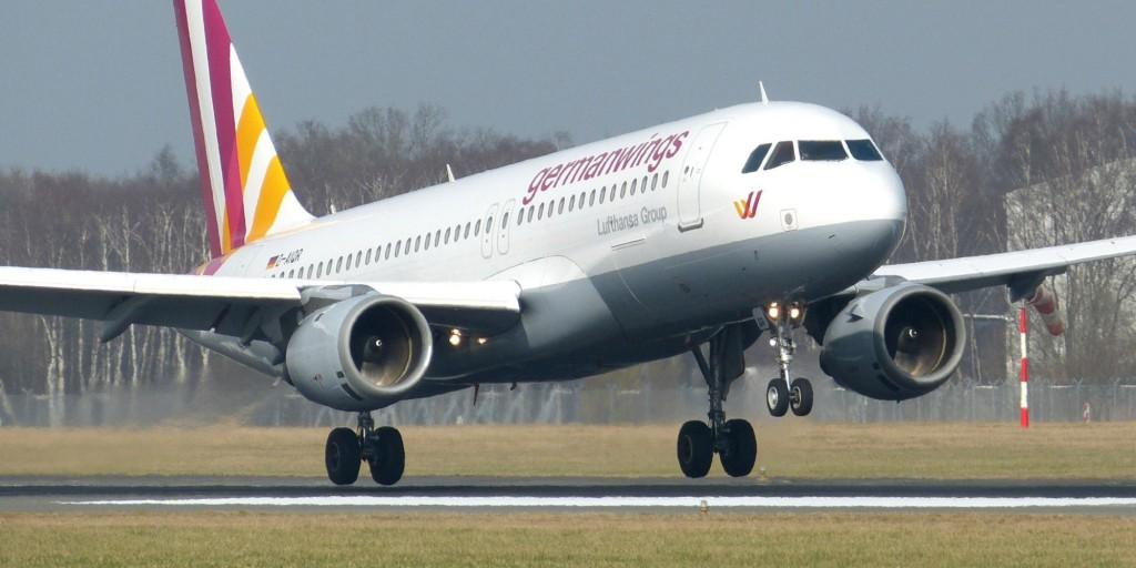 Aereo Germanwings, atterraggio d'emergenza