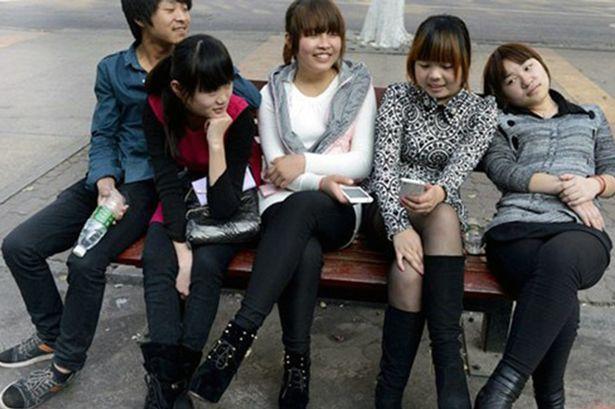 Dongguan, tre fidanzate per ogni uomo