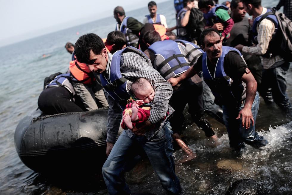 Apre primo centro identificazione profughi a Lesbo