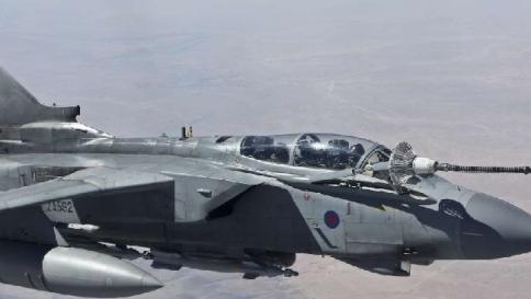 Bombardamenti italiani contro Isis