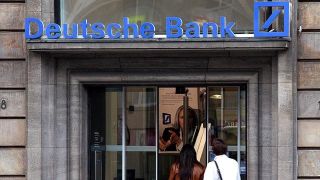 Deutsche Bank annuncia tagli