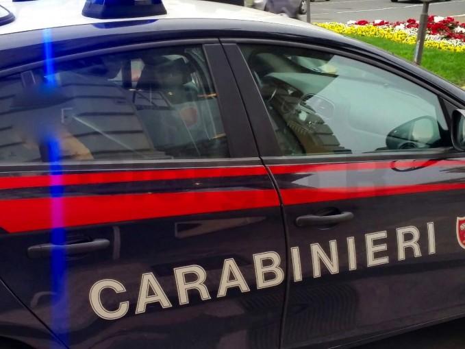 Carabiniere spara all'amica e poi si uccide