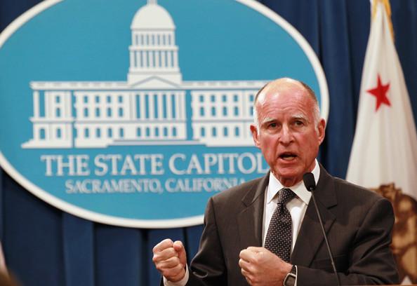 Il governatore della California promulga leggi sul clima