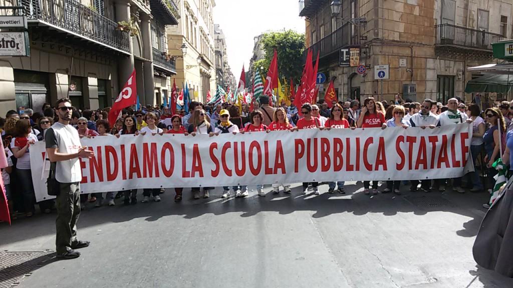 Protesta dei sindacati per la scuola