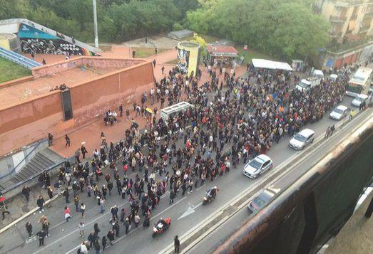 Proteste e disagi per l'interruzione della linea B della metro