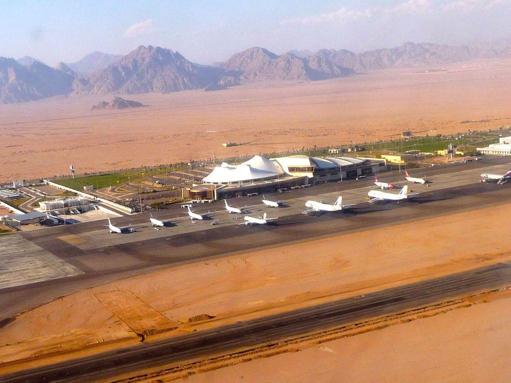 Aeroporto Sharm : Aereo britannico schiva miracolosamente missile a sharm