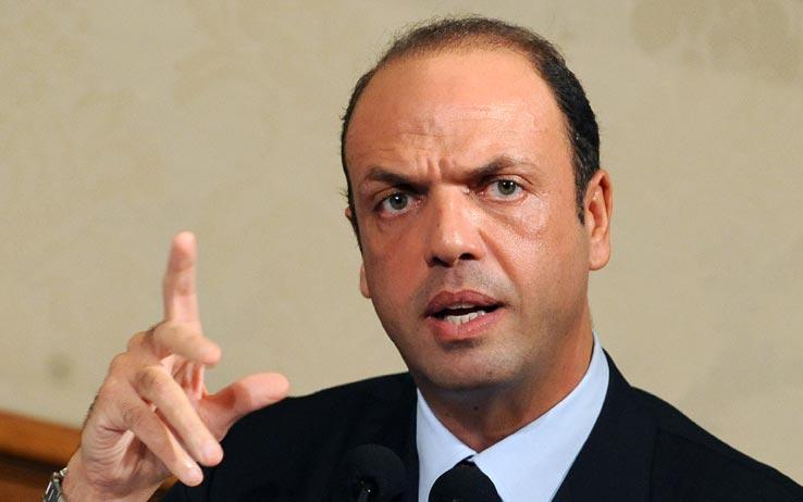 Angelino Alfano dichiara di essere pronti a espellere imam