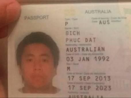 Il passaporto con il vero nome