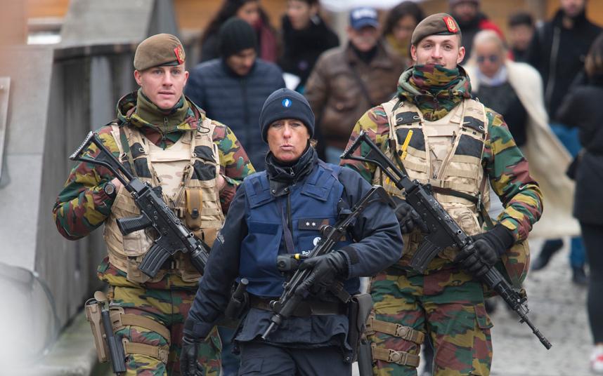 Salah Abdeslam sfugge ai blitz di Bruxelles