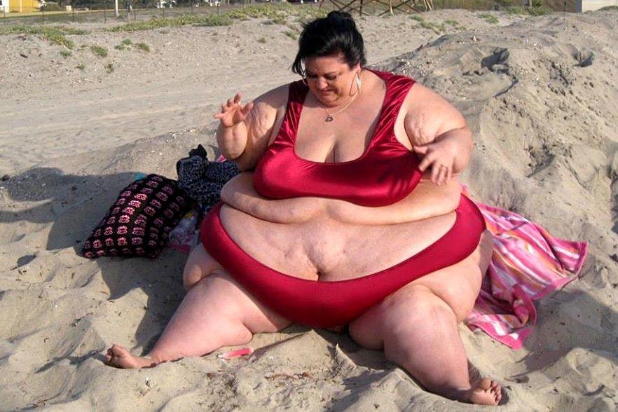 Donna ingrassa fino a 320 kg per amore