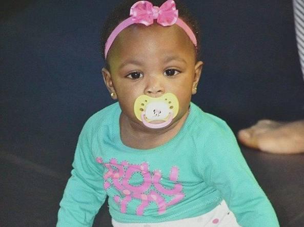 Bambino di 8 anni picchia a morte una neonata perché non smetteva di piangere