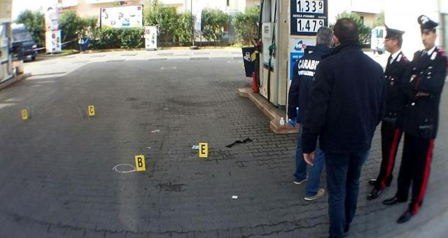 Rapina al distributore di benzina
