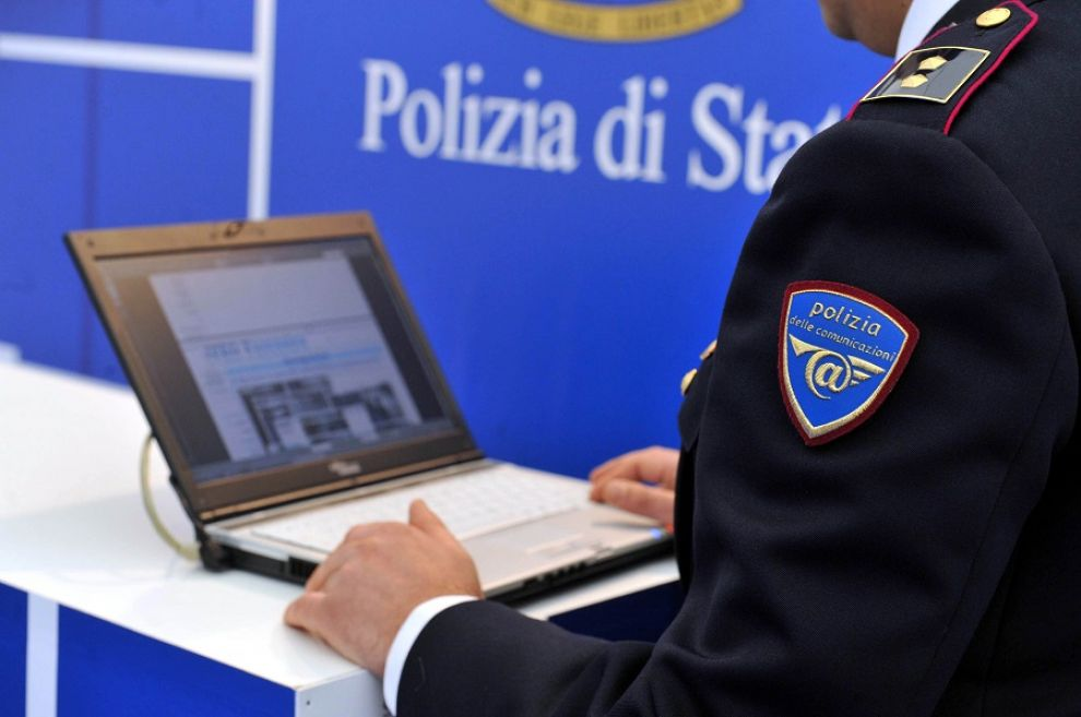 Sacerdote arrestato per possesso di materiale pedopornografico