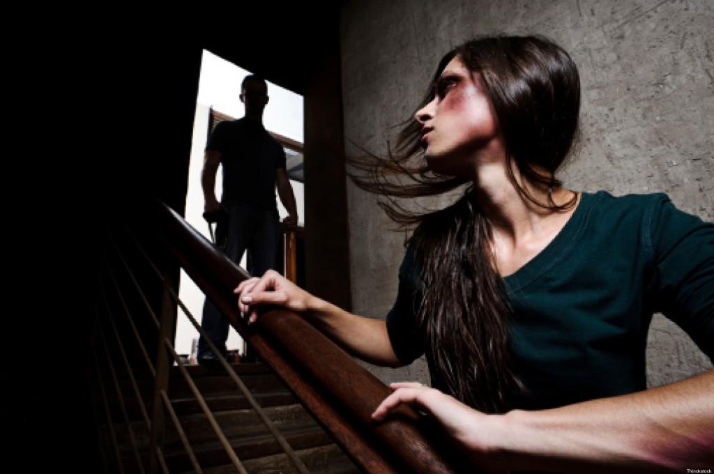 Donna viene picchiata per anni dal marito