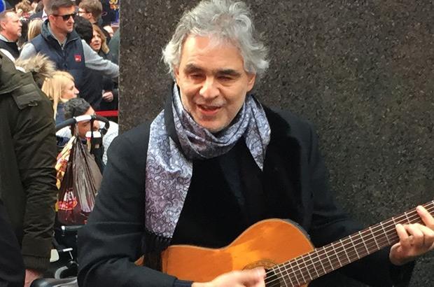 Andrea Bocelli per i senzatetto