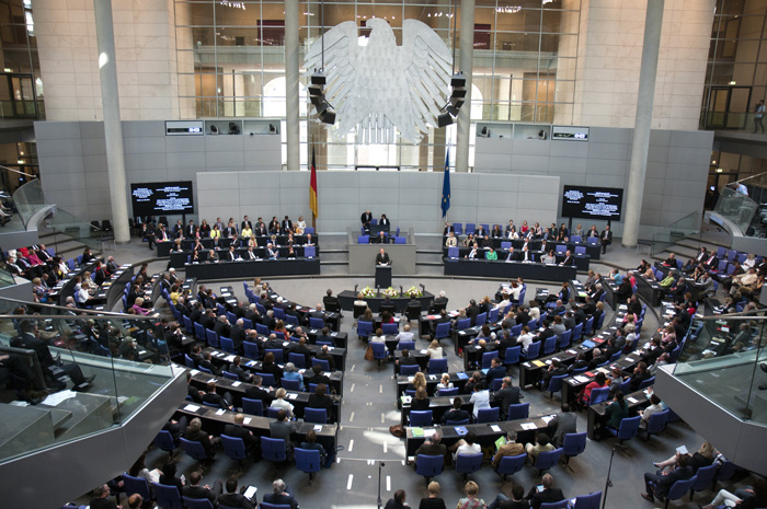 Il parlamento tedesco approva il sostegno militare anti-Isis