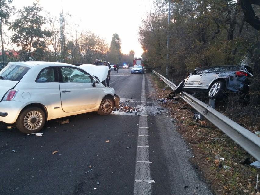 Incidente fra 3 auto causa la morte di due bambine