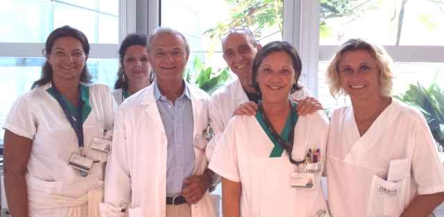 Équipe del dottor Miti esegue intervento al gomito