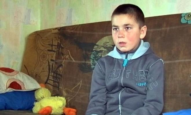 Bambino scappa di casa per non essere più picchiato dai genitori