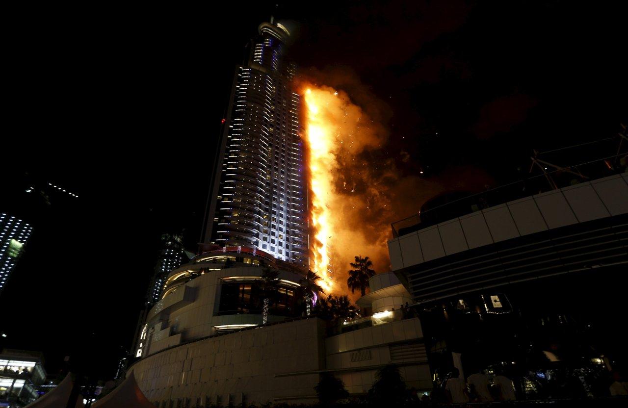 Grattacielo in fiamme a Dubai