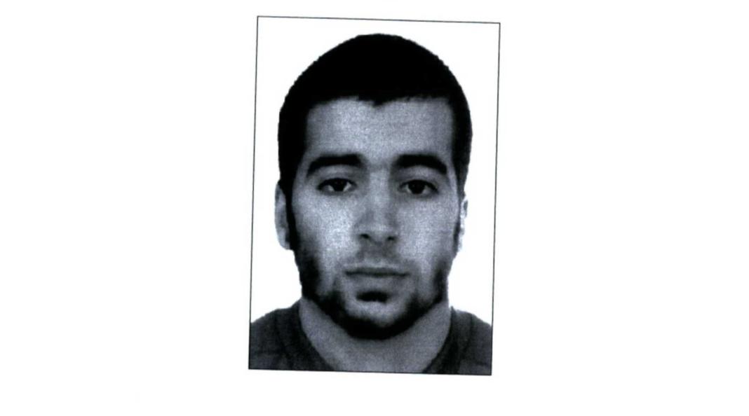 Identificato terzo kamikaze strage di Parigi