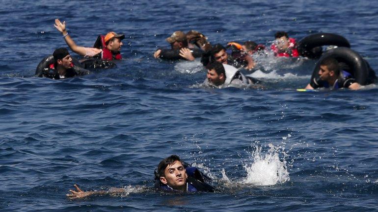 Migranti naufragano nel mar Egeo